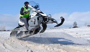 Las mejores mochilas para motos de nieve